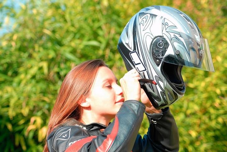 5 critères à retenir pour choisir son casque de moto