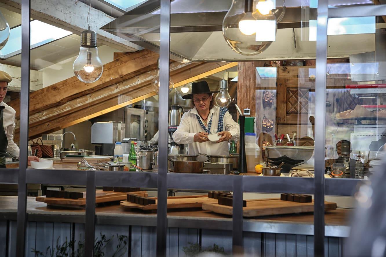 Marc veyrat l alliance du terroir et des plantes sauvages - Marc veyrat ustensiles de cuisine ...