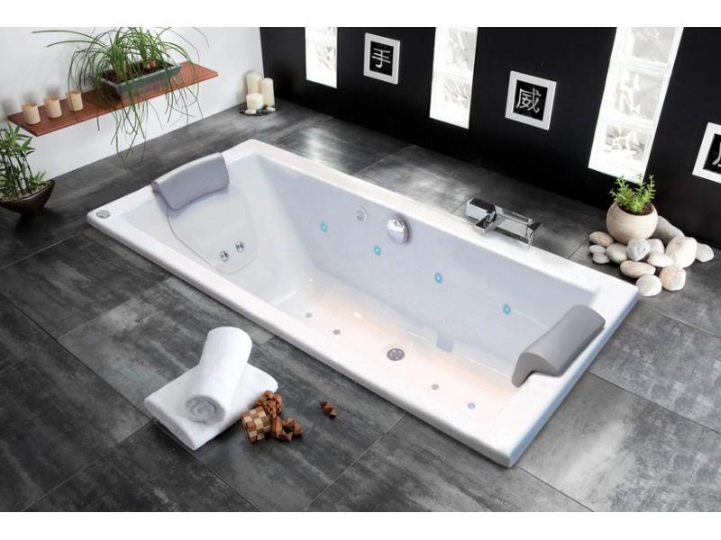 trouver la baignoire id ale pour votre salle de bain. Black Bedroom Furniture Sets. Home Design Ideas